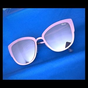 NWT Quay Supergirl Pink Sunglasses, mirrored lens